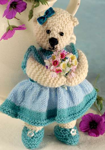 Ellie Bouquet Bear To Knit