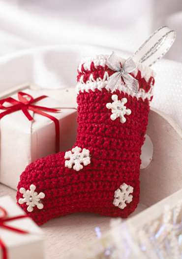 Mini Christmas Stocking To Crochet