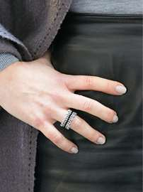 Flat-stitched Lace Ring